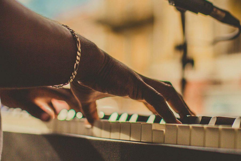 pianist open mic